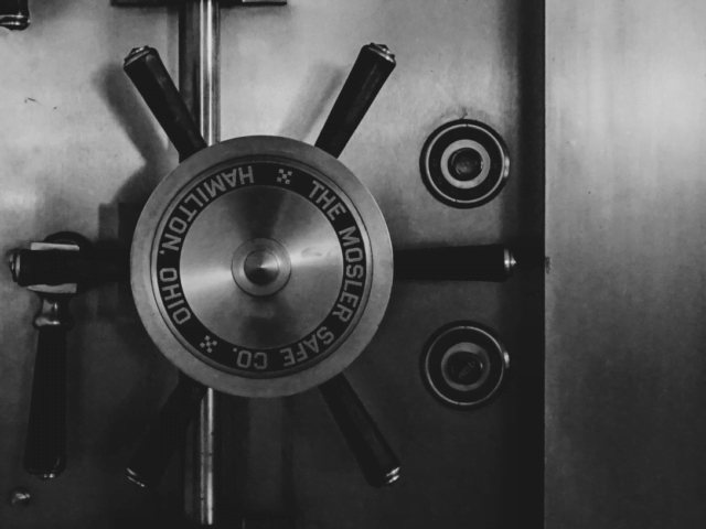 Monster safe door - Does LastPass no longer fit your free lifestyle?